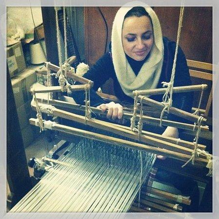 Museo-Laboratorio di Tessitura a Mano Giuditta Brozzetti: Marta al telaio