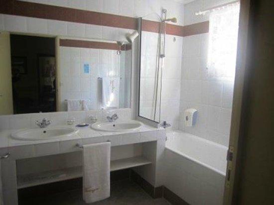 La Varangue: Salle de bains chambre de luxe