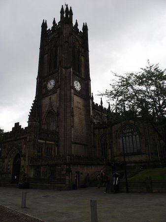 Gardens Hotel: manchester cathedral few minutes walk from hotel