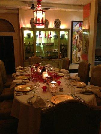 Royal Malewane: Table set for dinner
