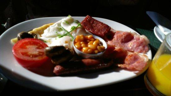 Invertiel Bed & Breakfast: Perfektes Schottisches Frühstück!