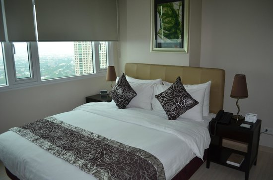 The Exchange Regency Residence Hotel: Room