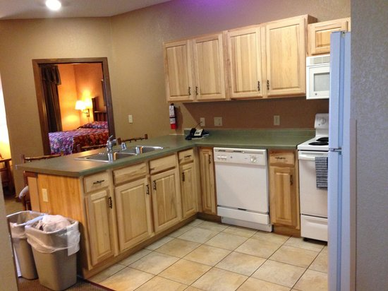 Wilderness on the Lake: Kitchen area