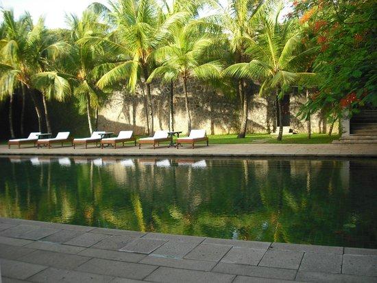 Amangalla: Pool area