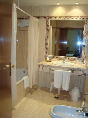 Hotel Velada Merida: Baño