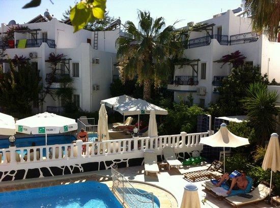 Seray Class Apartments: Hotel pool A