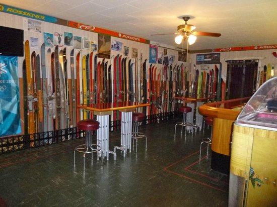 Gray Cliff Lodge Restaurant: Ski museum