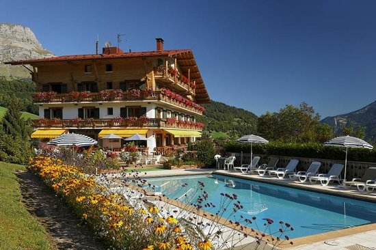 Le Chamois d'Or: Swimming-pool