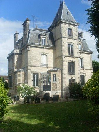 Villa Primerose: magnifique demeure et accueil splendide par Nelly