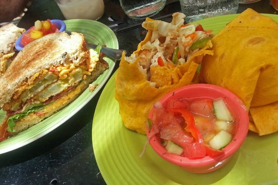 Lost Dog Cafe : Southern BLT and a Thai Wrap