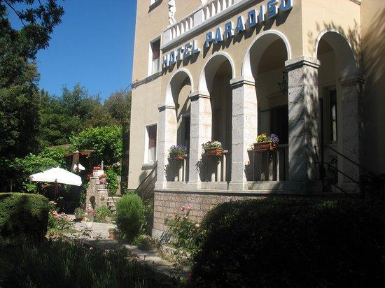 Albergo Paradiso : Entrata albergo
