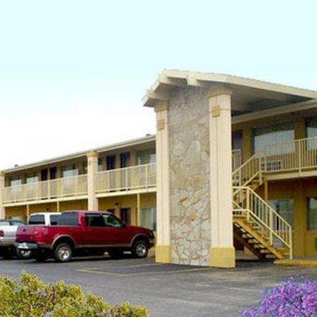 Photo of Big Spring Inn Madisonville