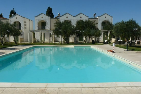Family Village : La piscina