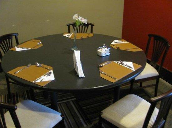 Wyndham Golden Foz Suítes: Restaurante Hotel Slaviero:Mesa Café da Manhã