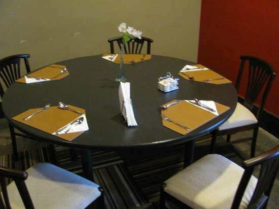 Wyndham Golden Foz Suites: Restaurante Hotel Slaviero:Mesa Café da Manhã