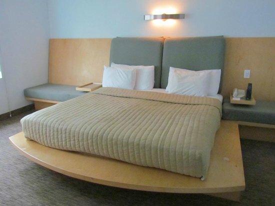 Hotel St. Augustine: Bed