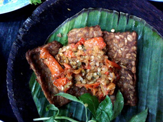 Ayam Bakar Wong Solo: Tempe - with very spicy chilly on top