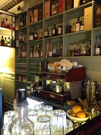 King & Mouse - Whisky Bar & Shop Photo