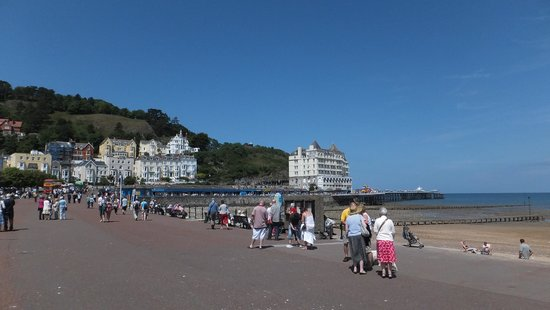 Llandudno Promenade Beach and Pier near to the Clovelly Hotel