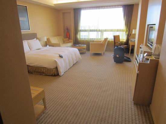 Justwin Grand Hotel: very spacious room