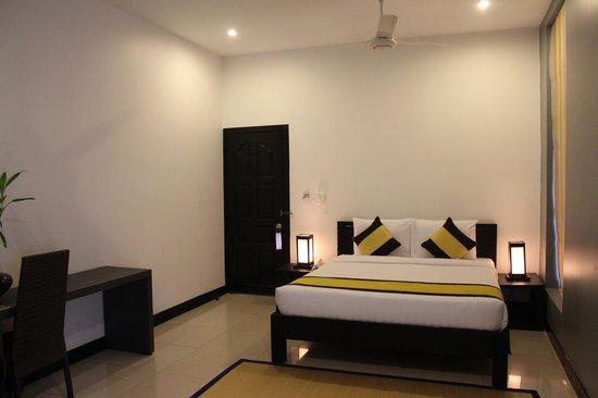 Landing Point Villa: Room