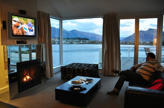 Oaks Club Resort: Living room with a view to kill