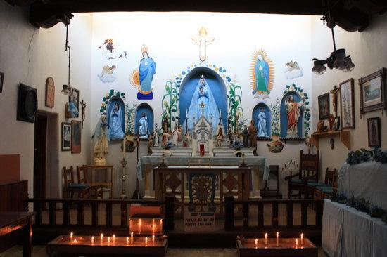[Image: inside-st-jerome-church.jpg]