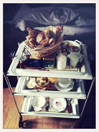 Aux Rives de Honfleur : Le fameux petit déjeuner !