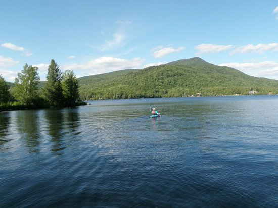 Prospect Point Cottages - Blue Mountain Lake: Kayaking around the point