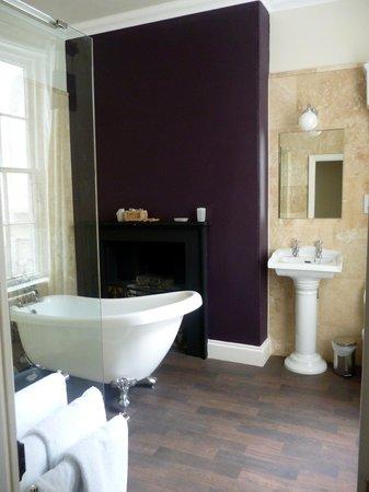 Golden Fleece: Shambles Bathroom