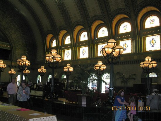 St. Louis Union Station : Interior of hotel.