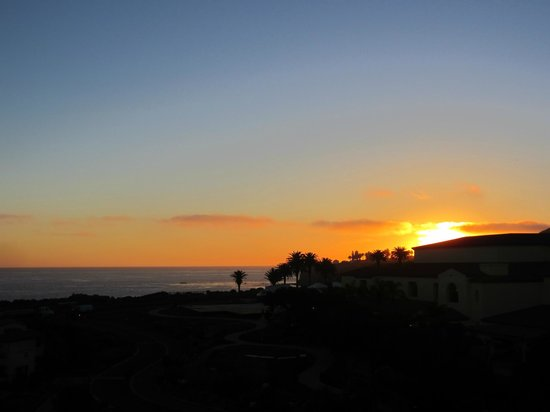 Terranea Resort: Sunset from our balcony