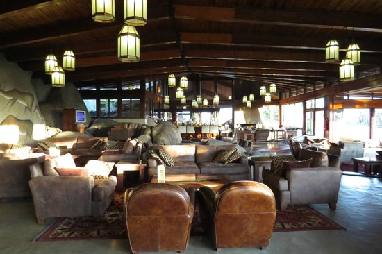 Seronera Wildlife Lodge: Lounge area