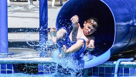 Kiesler's Campground & RV Resort: Pool Slides