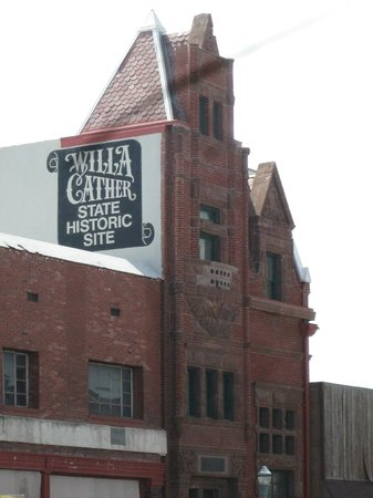 the sculptor s funeral willa cather The troll garden was the first set of stories willa cather published and her first pieces of fiction it was originally published in 1905 and contained 7 short stories: 1 flavia and her artists 2 the sculptor's funeral 3 a death in the desert.