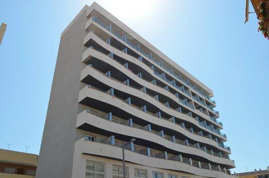 Hotel Bahia de Almunecar: Fachada del hotel