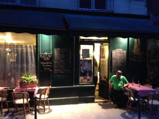 Photo of French Restaurant Au Bon Saint-Pourcain at 10 Bis, Rue Servadoni, Paris, France