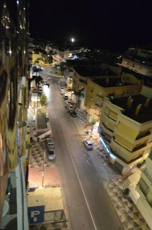 Hotel Bahia de Almunecar: Vistas de la Avenida