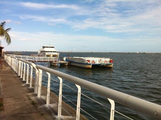 Catamaran Tours - Passeios Pelo Rio Capibaribe e Outros: Restaurante Catamaran - ponto de embarque do passeio