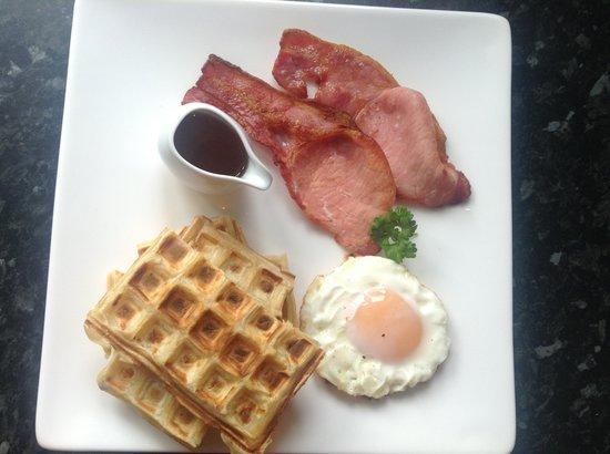 Bure Lodge B&B: American breakfast