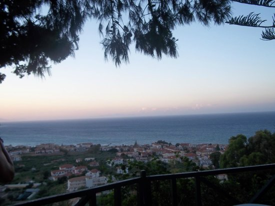 Hotel Admiral Argassi : If you get on the free shuttle bus up the hill this is your view