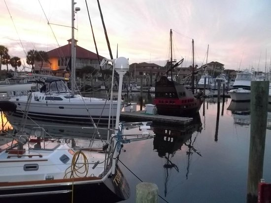 Inn at Camachee Harbor: Yacht club view