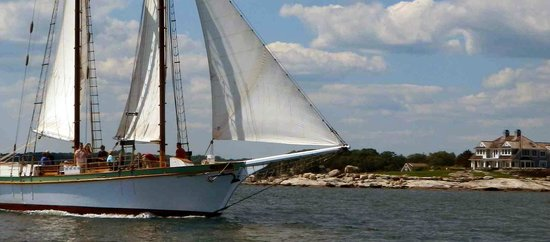 Argia Mystic Cruises: Passing Mason's Point