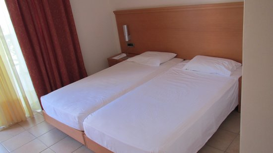 Tigaki Beach Hotel: Pokój