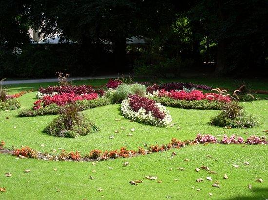 Aiuole fiorite foto di hofgarten innsbruck tripadvisor for Aiuole fiorite immagini