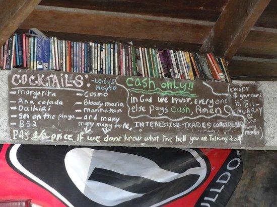 Lo Que Hay : The bar chalk board