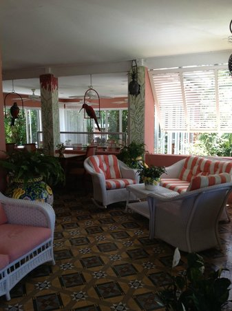 Royal Palms Hotel: porch at main entrance