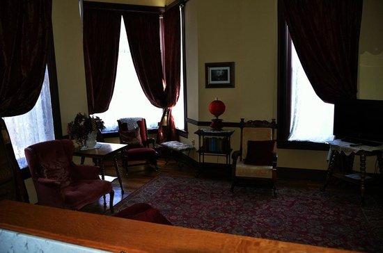 Martin Mason Hotel: Corner room