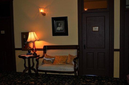 Martin Mason Hotel: Hotel corridor