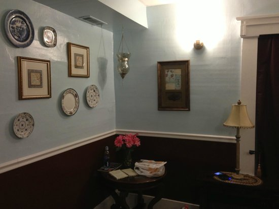 The Olde Mill Inn Bed & Breakfast : Front Parlor Antiques